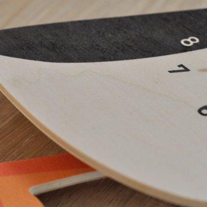 Horloge macareux en bois