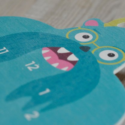 Horloge monstre bleu en bois pour enfants