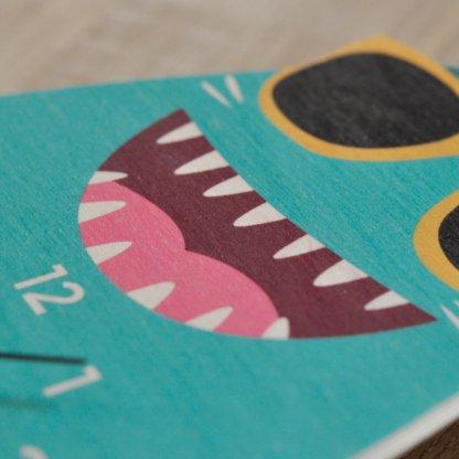 Horloge requin imprimée sur bois