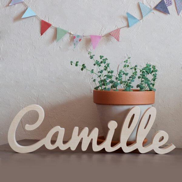 Prénom Camille découpé en bois
